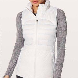 Lululemon Down For A Run Vest II White sz 6